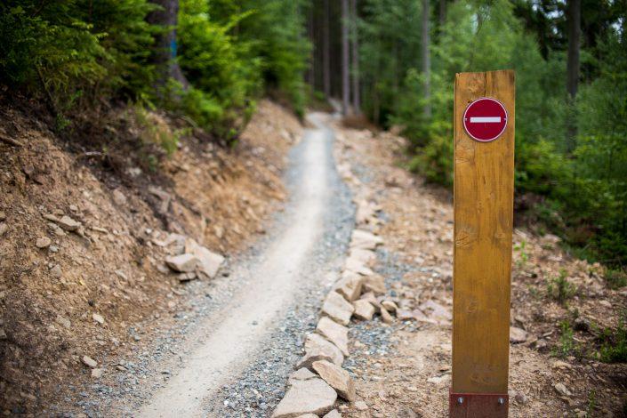 Kein Verbotsschild! Der Trail ist eine Einbahn...